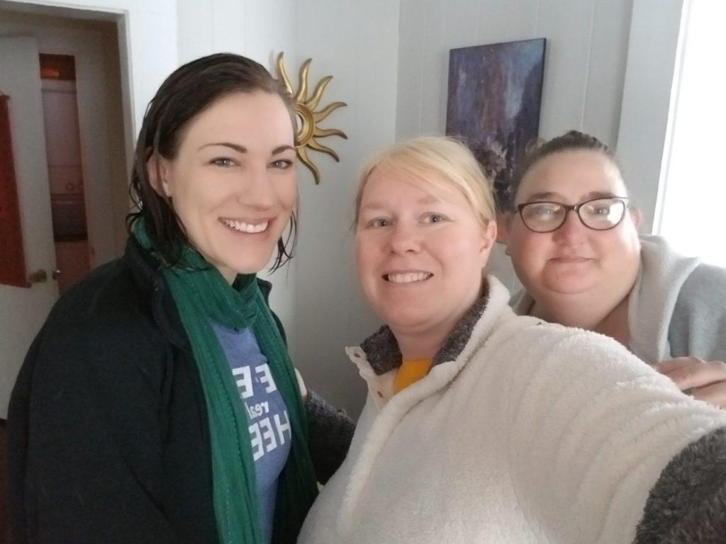 3 girls taking a selfie
